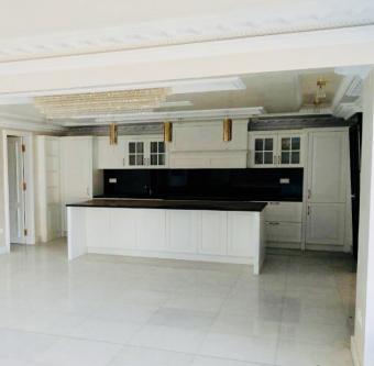 Κουζίνα--πορτάκι-ταμπαδωτό---λάκα-λευκή.jpg